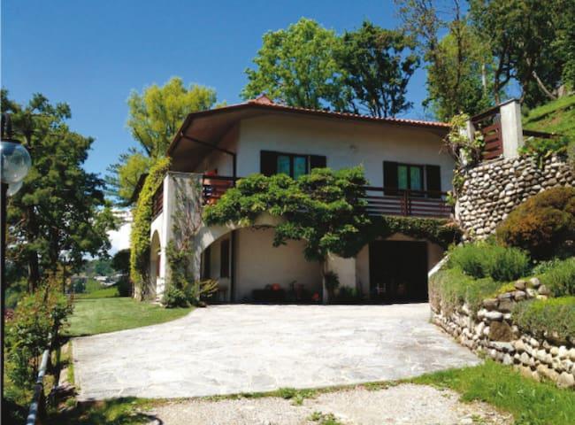 nice quiet apartment in Villa - Missaglia