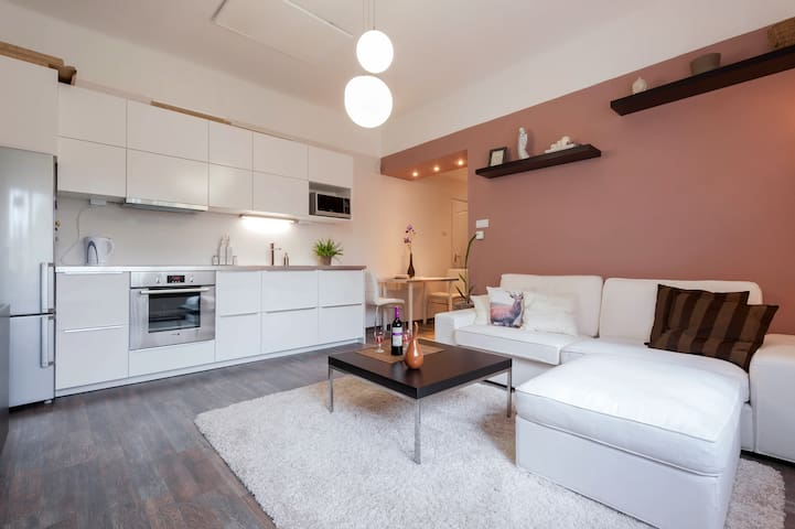 Exclusive&Cosy apartment w/ private entrance - Boedapest - Appartement