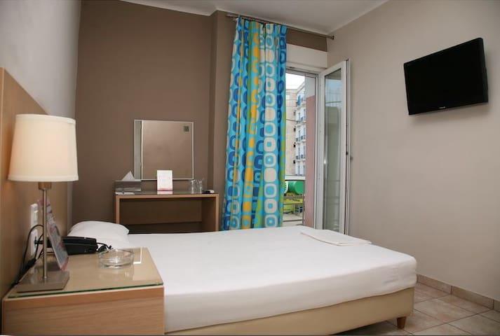 Hotel Kentrikon triple - Chalkida - Bed & Breakfast
