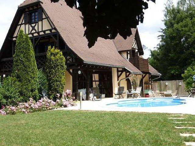 Idyllic Alsace retreat on the Swiss/Basel border - Hagenthal-le-Bas - Hus