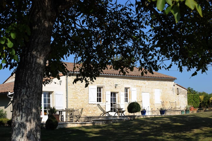 Château Doyac Gîte - Saint-Seurin-de-Cadourne - Vakantiewoning