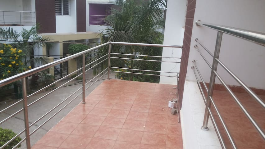 Villa 2 AC Rooms 4+ persons Free pick up shuttle - Bhubaneswar
