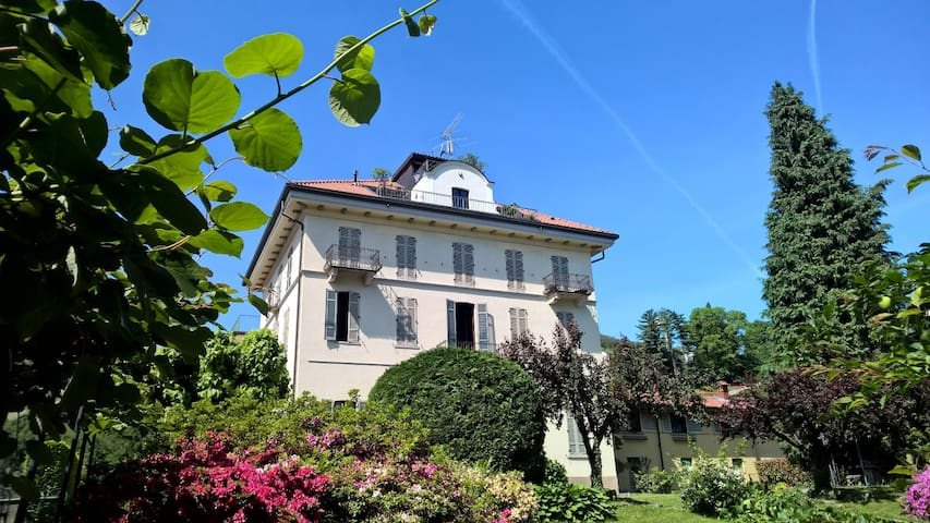Ancient villa fireplace, large panoramic terrace - Dagnente, frazione di Arona - 公寓