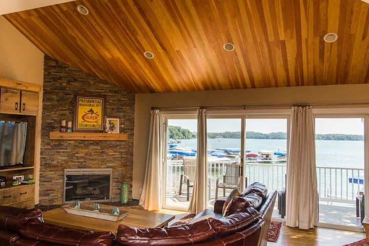 4 bedroom/2 bathroom Condo on Lake Maxinkuckee - Culver