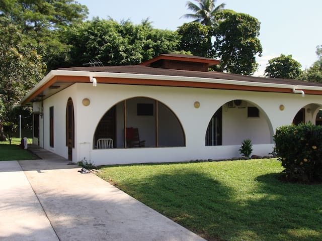 Simple Luxury at an Affordable Pric - Palo Seco Beach - Villa