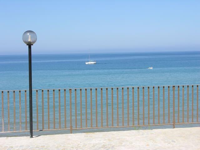 La tua stanza a 10 gradini dal mare - Castellabate - Apartamento
