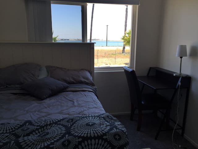Harbor View Private Room in Seal Beach. - Seal Beach