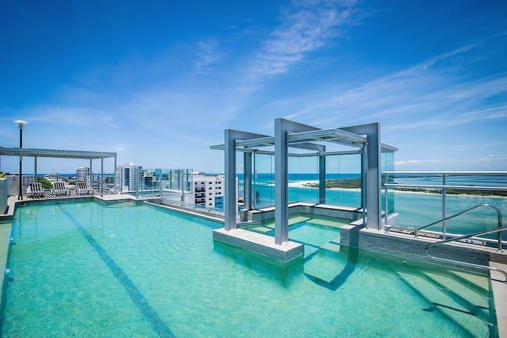 Water Views w/ Rooftop Pool - Caloundra - Lägenhet