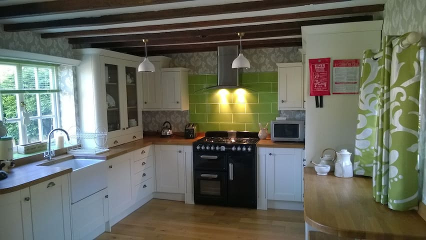 Quirky 3 Bed  canal side cottage in Yorkshire - Driffield - Haus