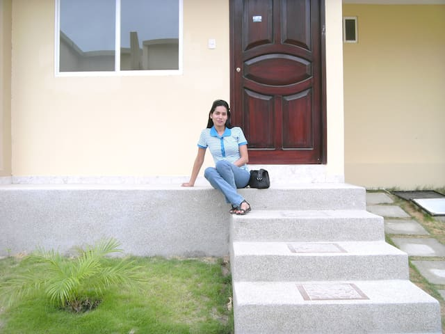 Casa en Manta-Ecuador cerca al centro de la ciudad - Manta