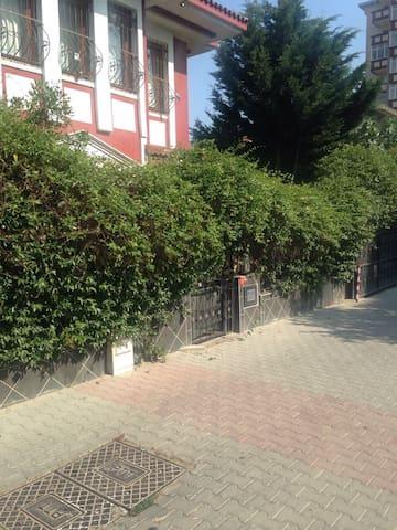 Villa 5 oda , lüks Esyali, 3 katlı - İstanbul  - Hus