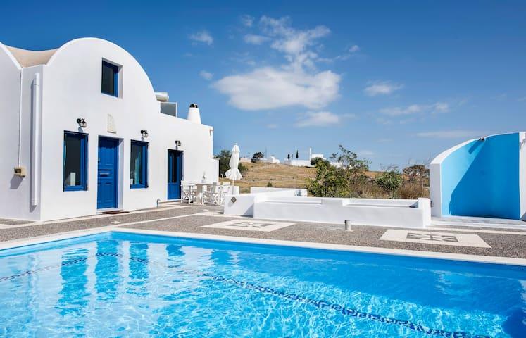 Santorini Traditional Suites THIRAS - Vothonas - Huis