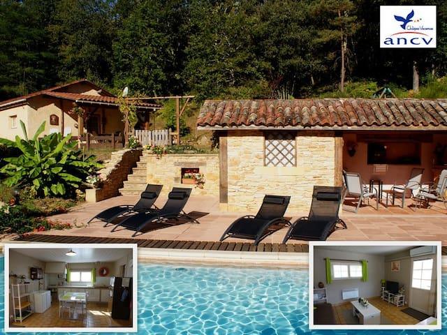 Gîte 2 pers. + bébé, piscine, près de Sarlat - Calviac-en-Périgord - Luontohotelli