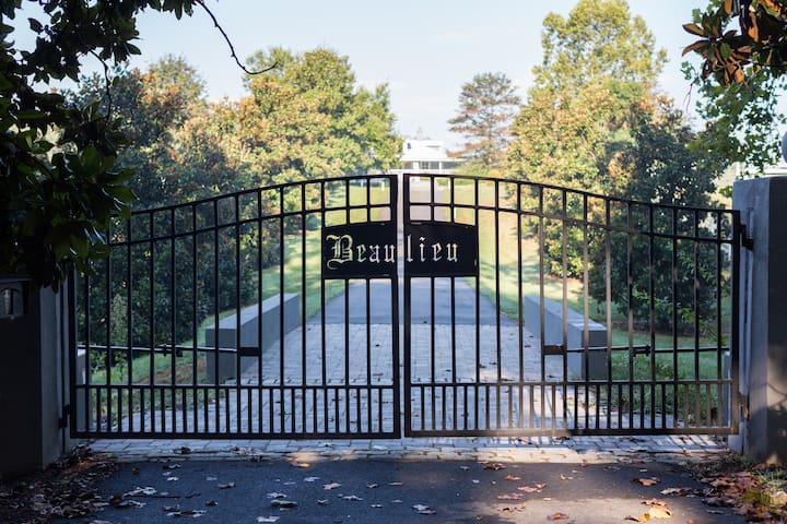 Beaulieu, a country estate - Earlysville