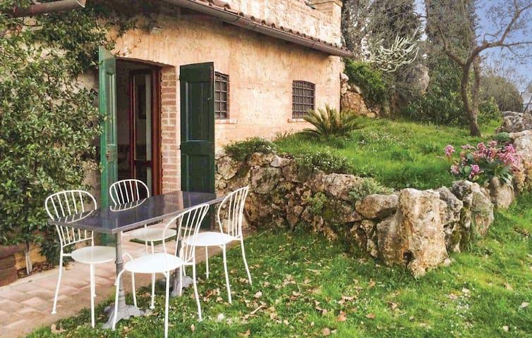 """""""I nespoli"""" – Private apartment in villa with pool - Monteleone Sabino"""