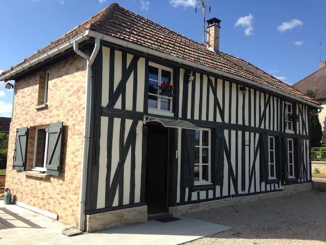 Petite maison champenoise cosy - Précy-Saint-Martin - Hus