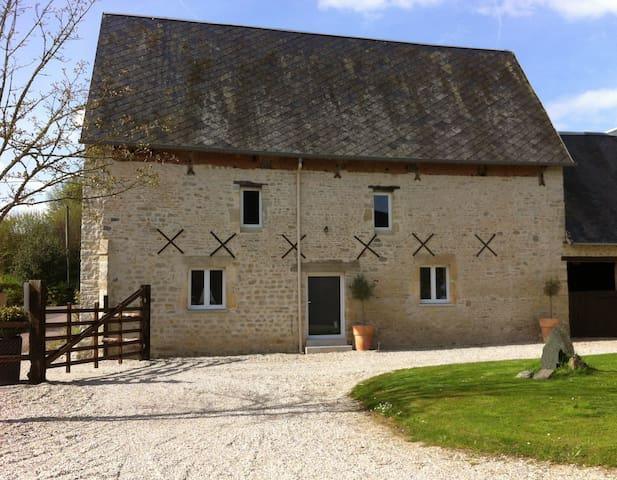 Maison ancienne rénovée tout confort - Isigny-sur-Mer - Hus