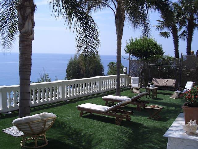 trilocale bellissima vista spiagge  - Taggia - Appartement