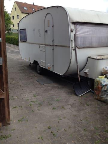 Wohnwagen für preisbew. Touristen ! - Feuchtwangen - Karavan