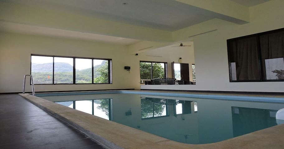 Hilltop Stay with Indoor Swimming Pool 3BHK Villa - PMC - Domek parterowy