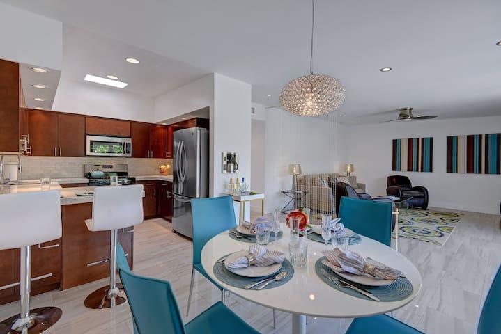 PRIME DESERT GETAWAY-Living Desert Stunner-1BR/2BA - Palm Desert - Şehir evi