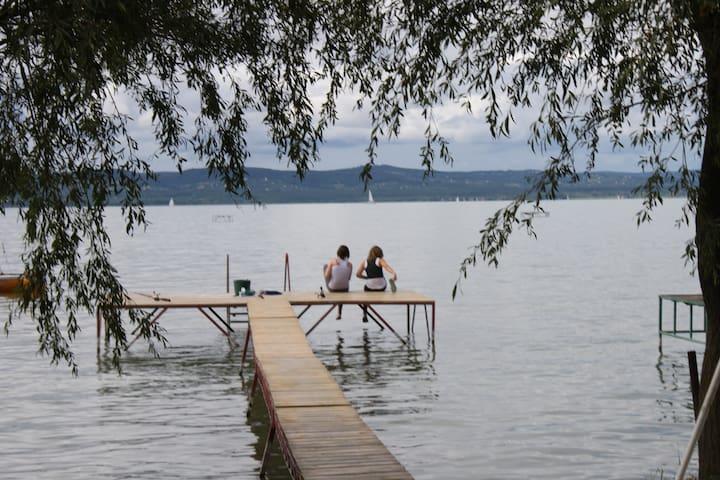 Kiadó apartman saját vízparttal - Balatonszárszó - Appartement