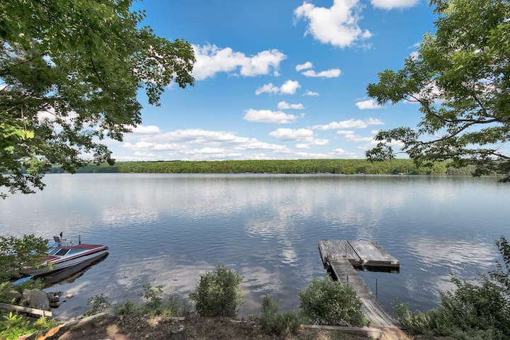 Lovely, large, relaxing, 3 bedroom lakefront home. - ポーランド - アパート
