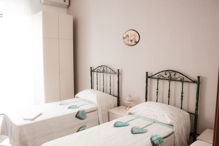 A Casa di Amici B&B - Toritto - Bed & Breakfast