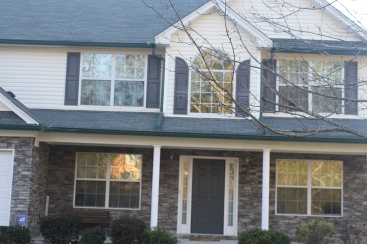 Cozy Home in North Bridge Estates - Hampton - Hus