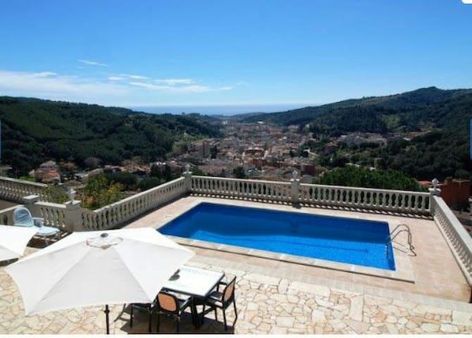 Apartamento con piscina y vistas. - Arenys de Munt
