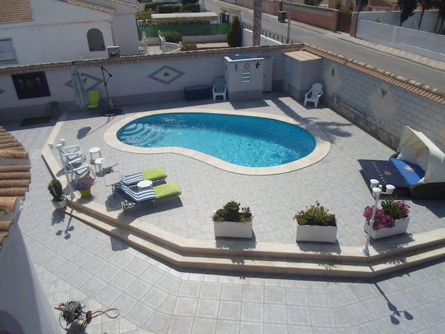 Home away from home with private pool - El Chaparral - Villa