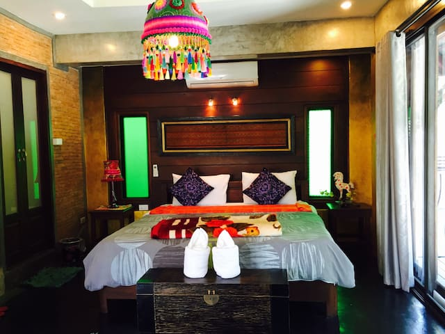 Hand Crafted Boutique bedroom green - Pai - Appartement