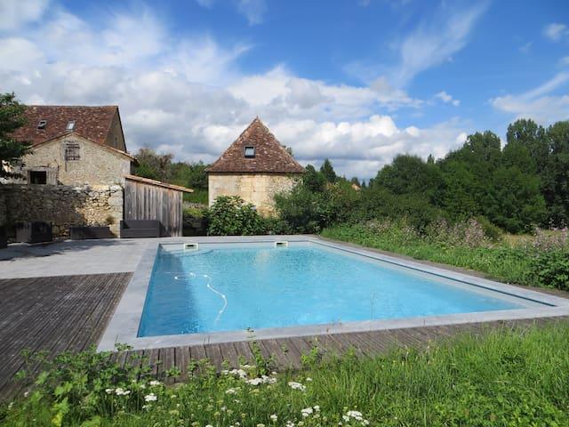 Authentic Tour with pool , Périgord , Dordogne - Lamonzie-Montastruc - Aarde Huis