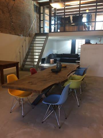 Spacious industrial loft - Schiedam - Loteng Studio