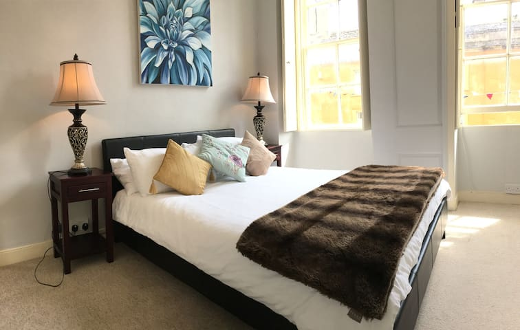 Charming Grade II Character Apartment - Corsham - Appartement