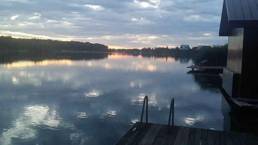 Sweet place at Snagov Lake, in Ghermanești - Ghermănești
