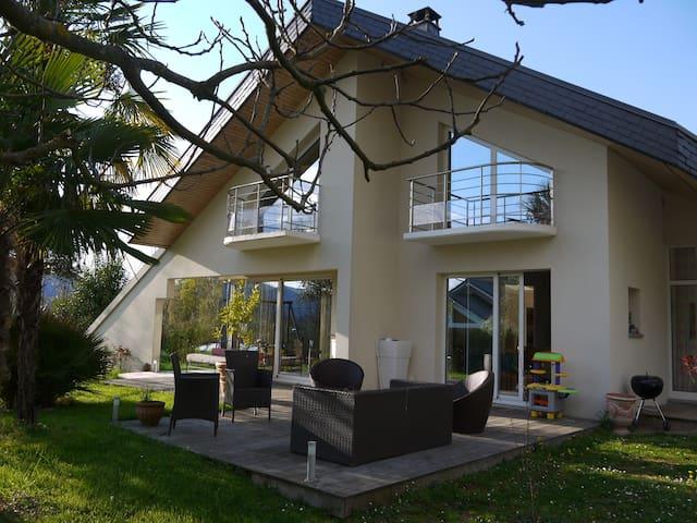 Des palmiers au pied du Revard - Drumettaz-Clarafond - Villa