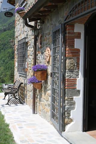 Romantiske Toscana med Swimmingpool og klatrebane - Marliana