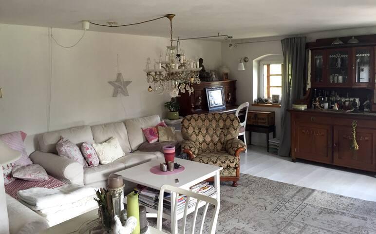 Gemütliche Wohnung im Gartenparadis - Großtraberg - Ev