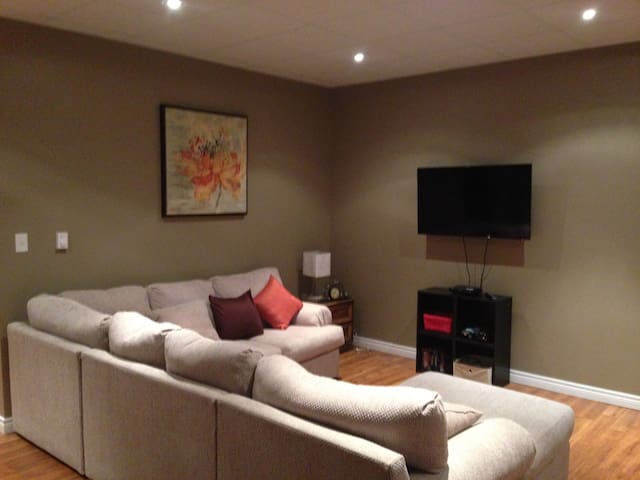 Comfortable walkout apartment to call home - Dieppe - Apartamento