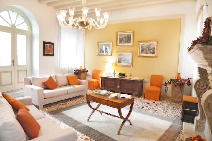 Casa in Borgo dimora antica tra Venezia e Dolomiti - Polcenigo - Huis