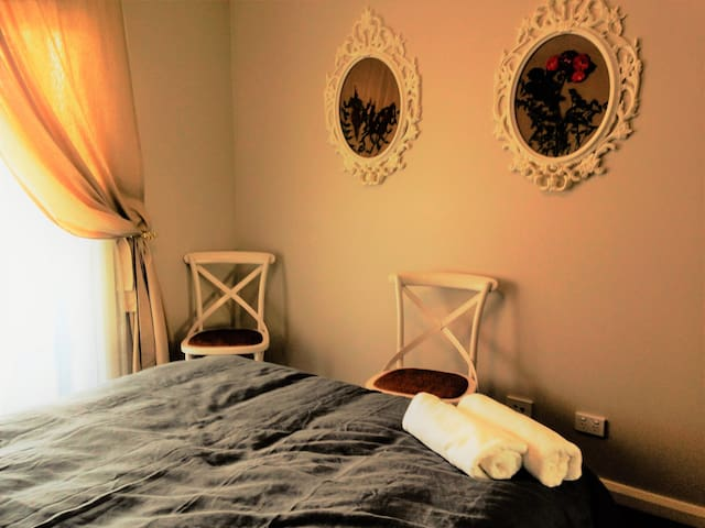 Ivy and Roses Boutique Apartments - Franklin - Leilighet