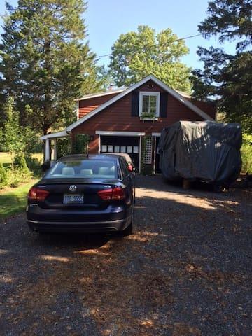 Cottage (refurb. detached garage) - Huron charter Township - Bungalow