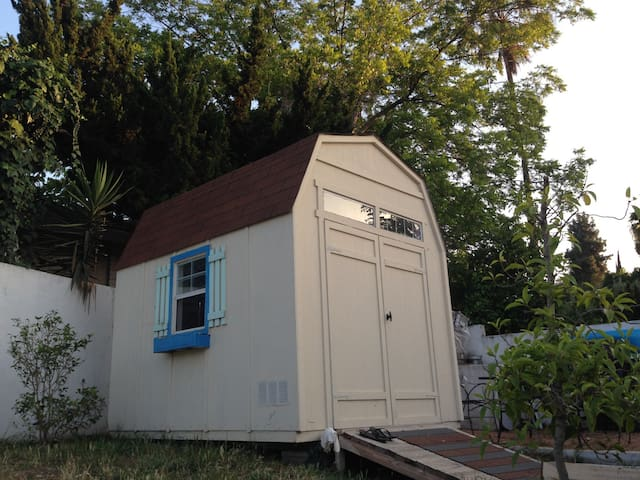 City convenience/ Country side feel - Hacienda Heights - Blockhütte