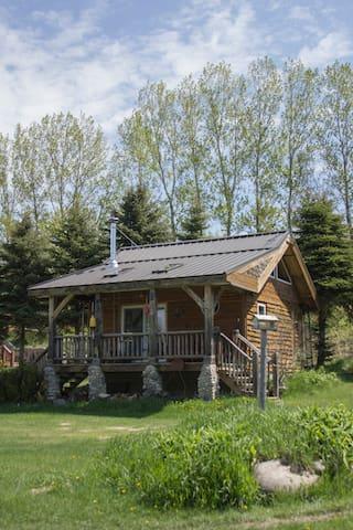 Little Cabin at Rocky Top Farms - Ellsworth