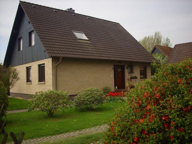 Ferienwohnung Fam. Karch - Rietschen - Apartament