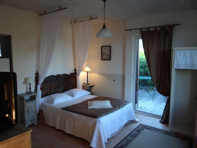 les chambres d'Elise et Natalis - Cardroc - Bed & Breakfast