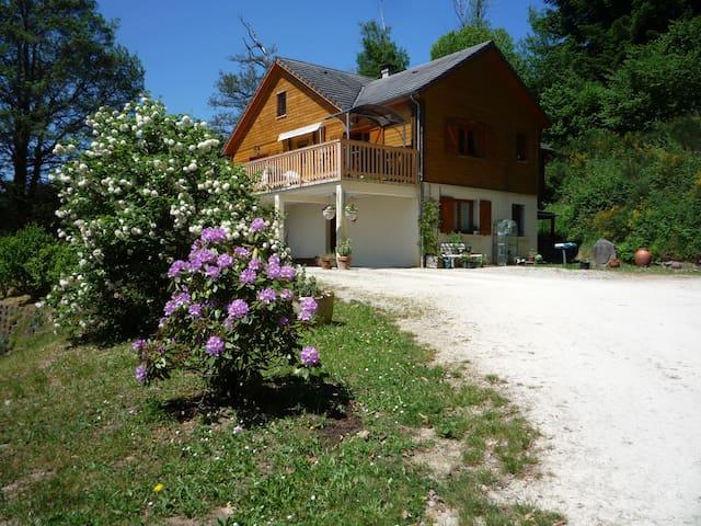 Quiet location in a beautiful area - Treignac - Bed & Breakfast