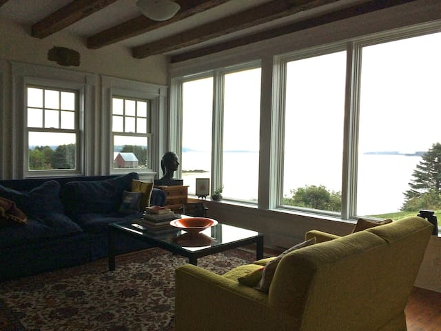 Bell's Cove Oceanfront - LaHave