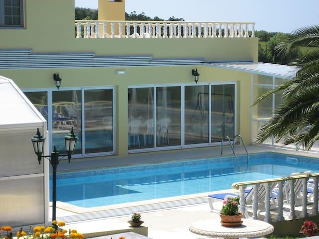 Beautiful villa view & hot pool - Ponta Delgada - Ev